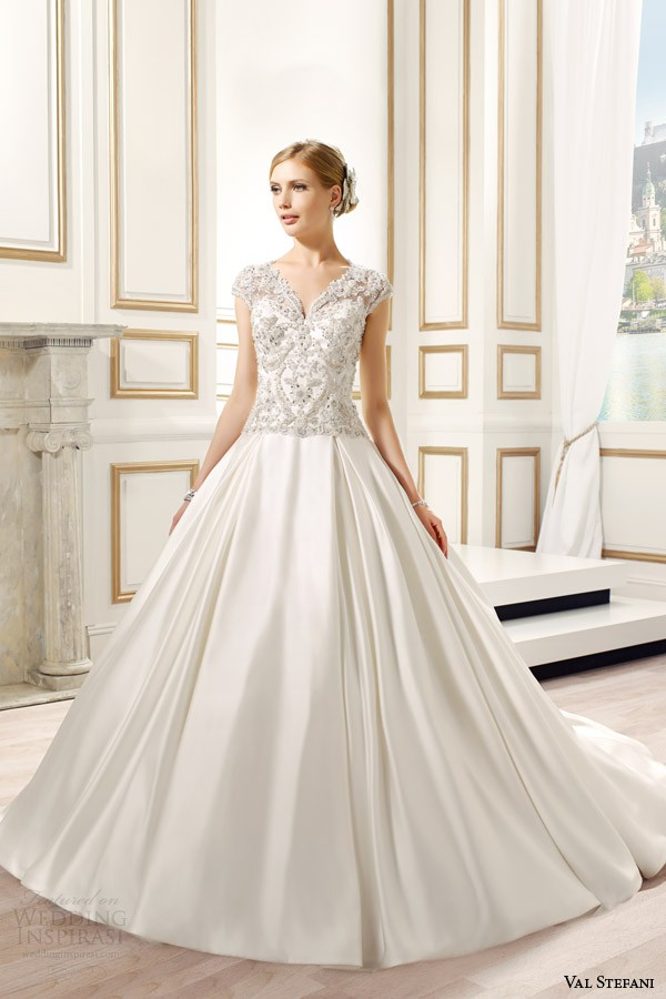 Val Stefani D8082 New Wedding Dress
