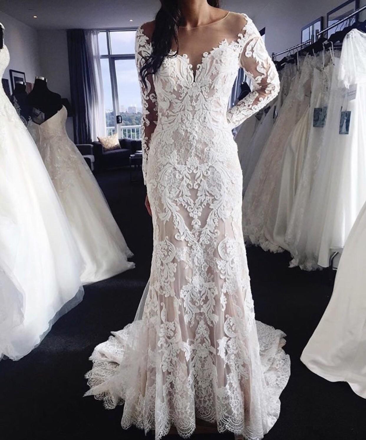 Dimitri Wedding Gowns: Demetrios 717 Used Wedding Dress On Sale 56% Off
