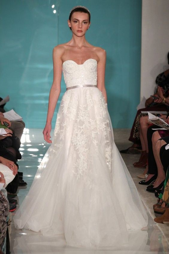 Reem Acra Heavenly Lace