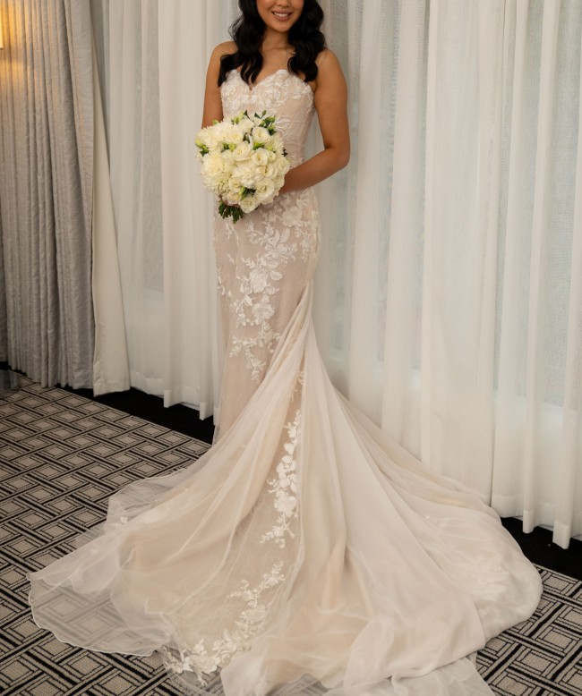 One Day Bridal Nova Gown