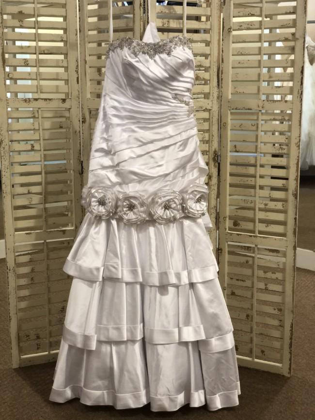 Allure Bridals 8700