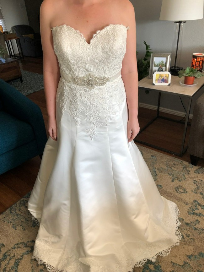 Allure Bridals W345