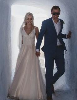 Allure Bridals, Allure romance 2802