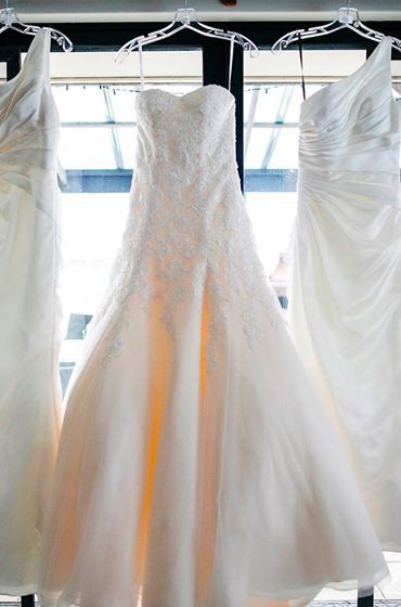 b4cb351c69 Tuscany Bridal Carrie Second Hand Wedding Dress on Sale 25% Off ...