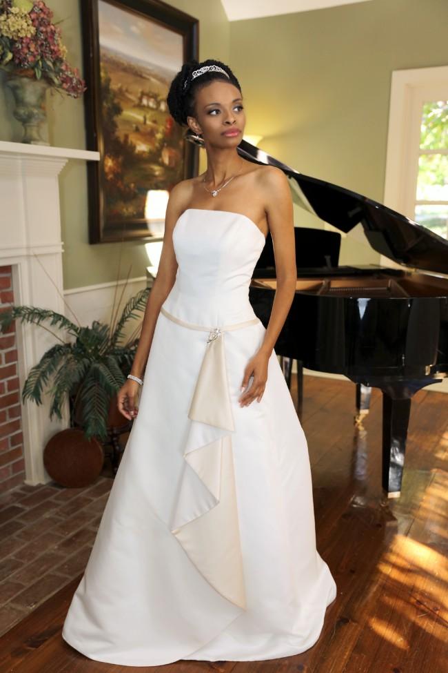 David's Bridal T-8619