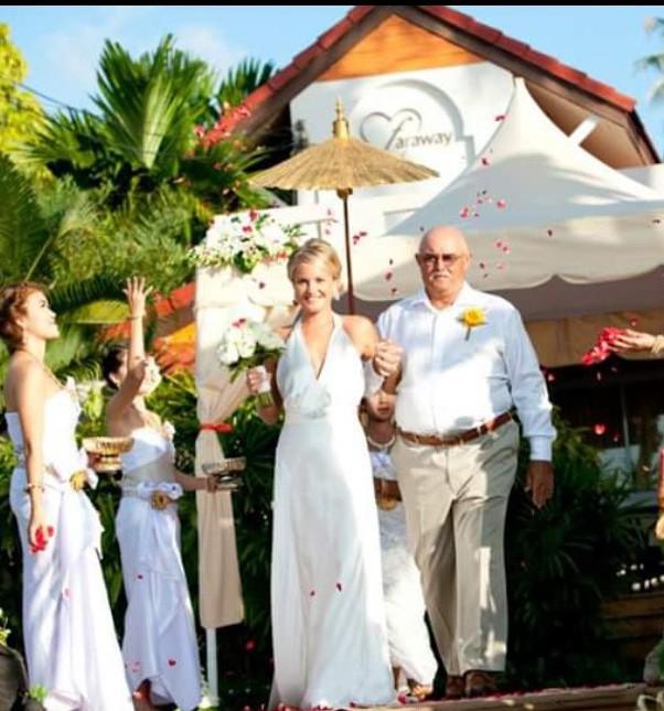 Johanna Hehir Arianne Second Hand Wedding Dress On Sale 50