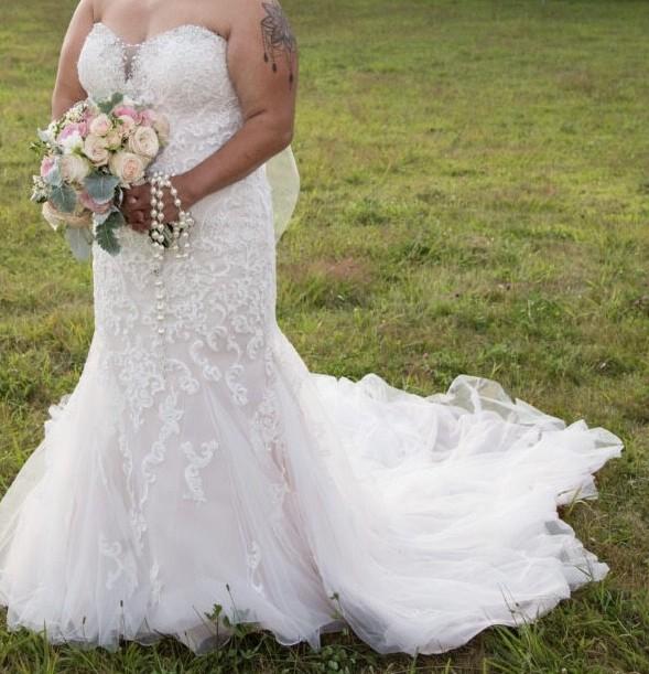 Stella York 6502 Vintage Lace Wedding Gown Second Hand