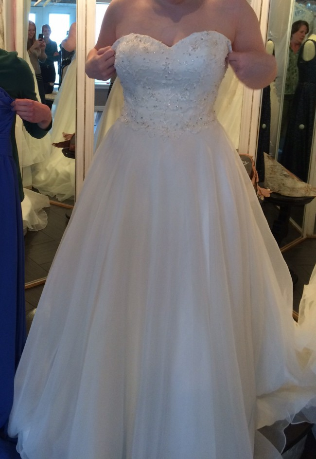 Sweetheart Gowns, 6098