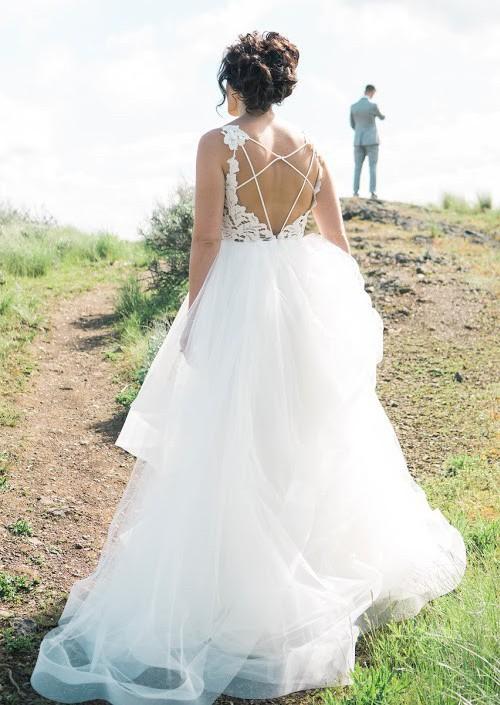 2e071ca84956 Hayley Paige Style 1600 Halo Used Wedding Dress on Sale 42% Off ...