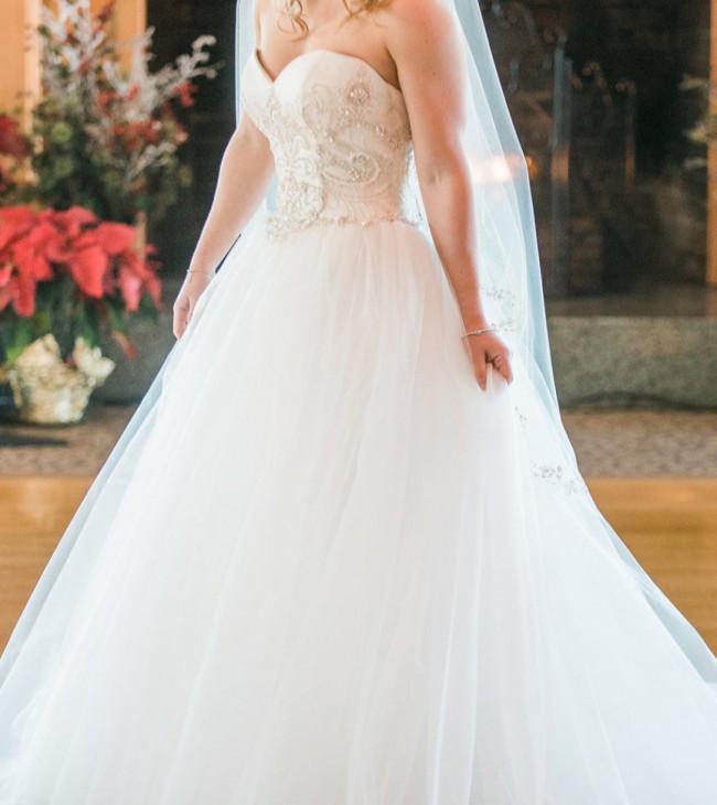 Casablanca Bridal 2143