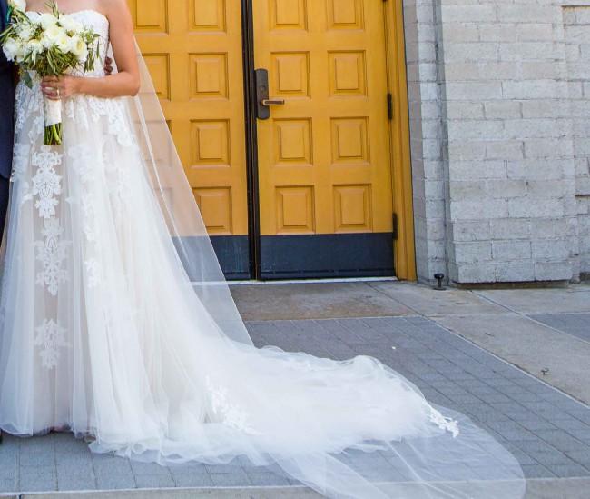 Essense of Australia D2121 A-line wedding dress with tulle skirt