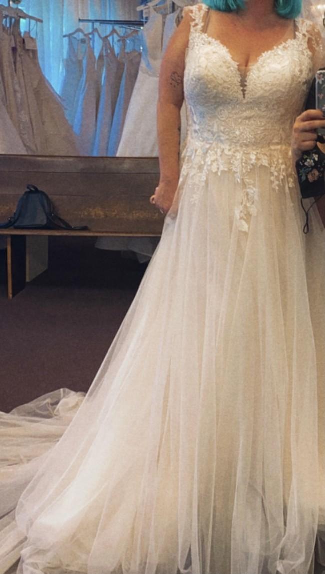Allure Bridals W468