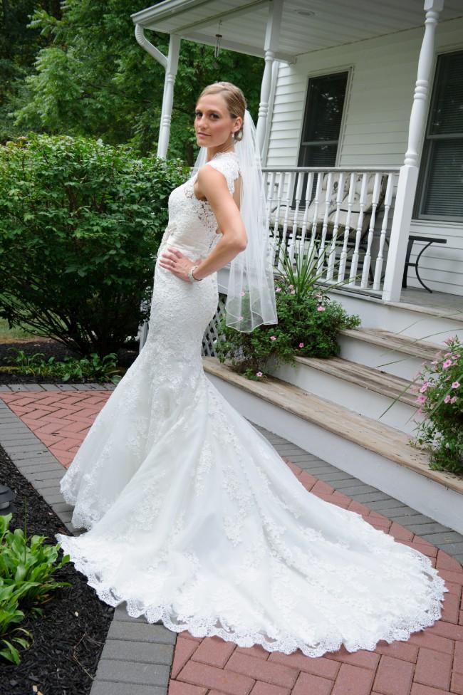 Allure Bridals, 9064