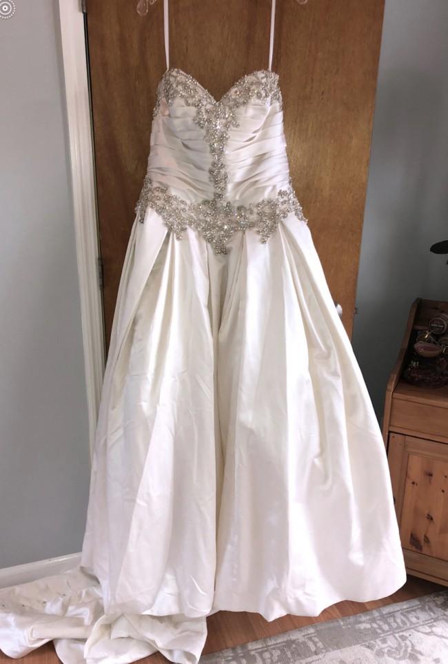 Allure Bridals 9003-IS-16