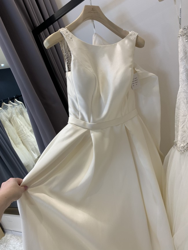 Emerald Bridal Gloria