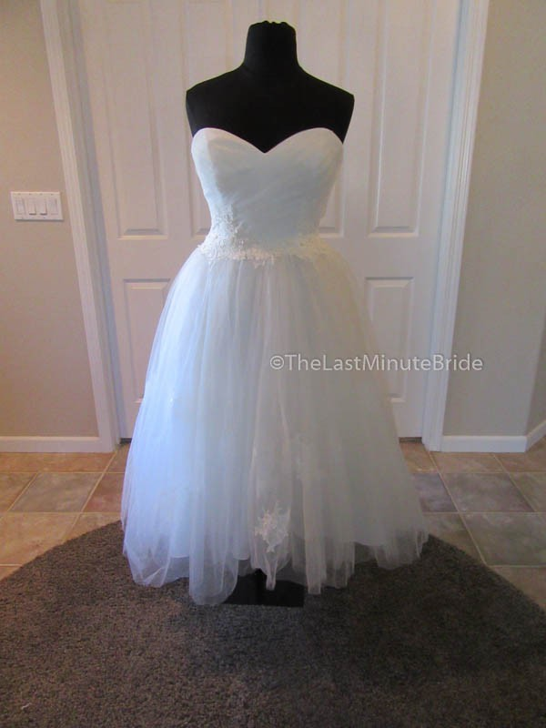 Sweetheart Gowns 6085