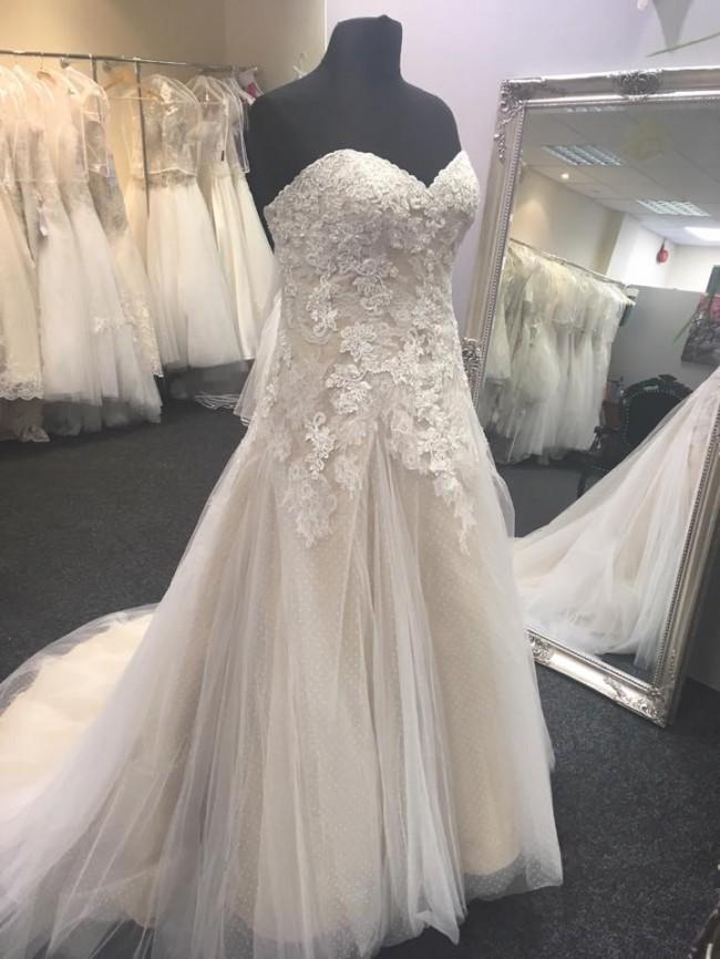 Heavenly Wedding Belles, Taryn