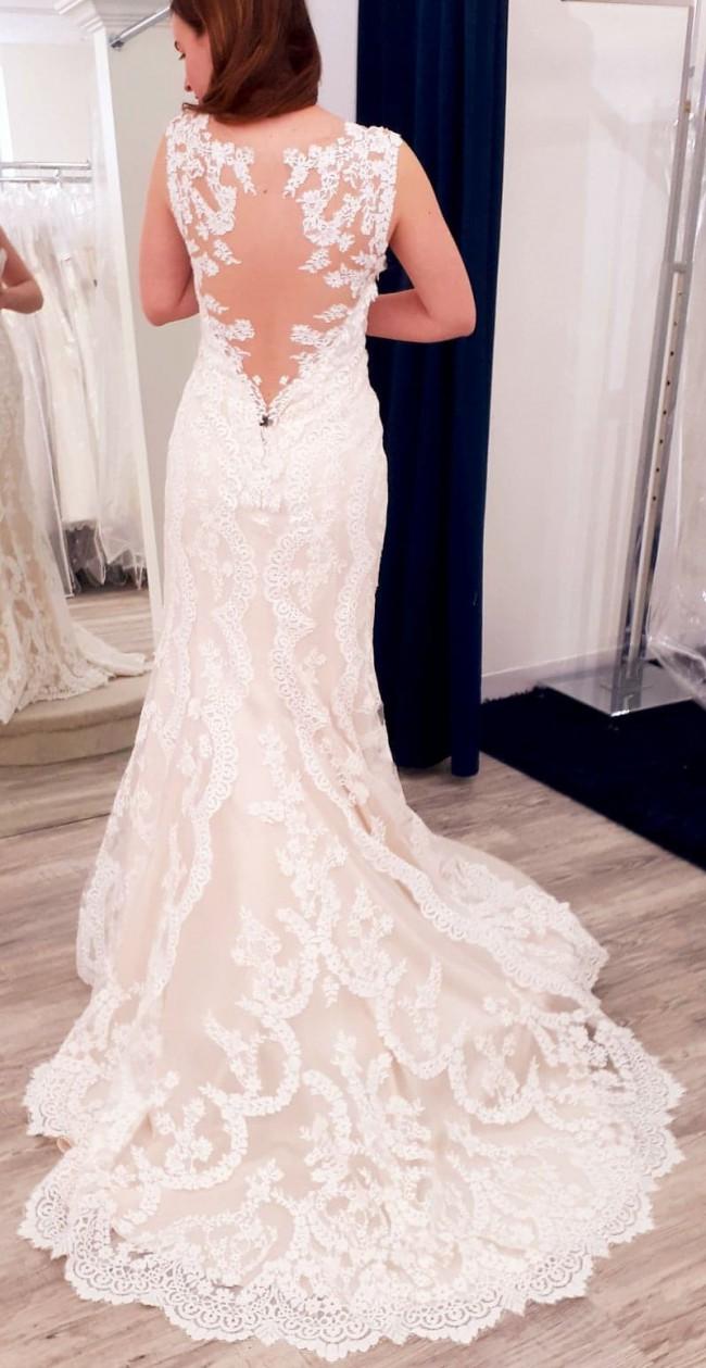 Beloved By Casablanca Bridal bl218