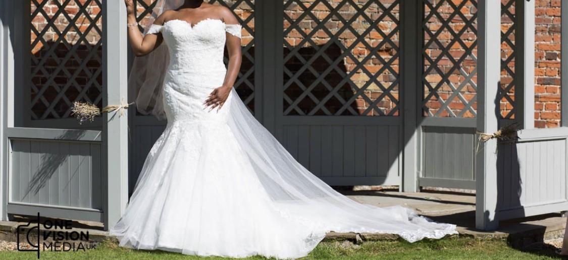 Simple Wedding Dresses Over 40: Pronovias Dona Used Wedding Dress On Sale 40% Off