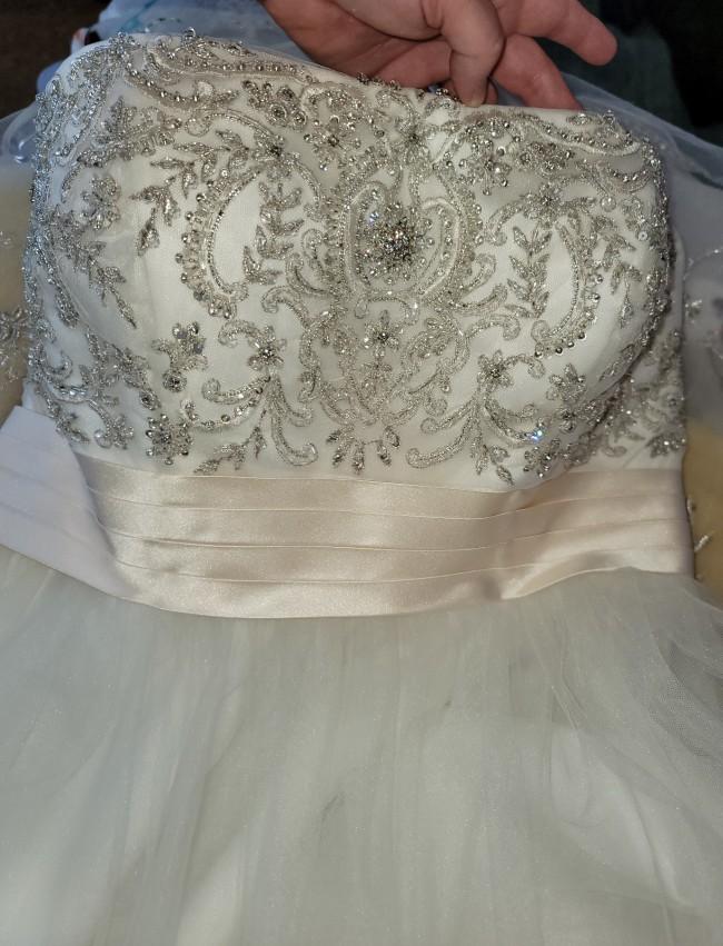 Casablanca Bridal Style 2035