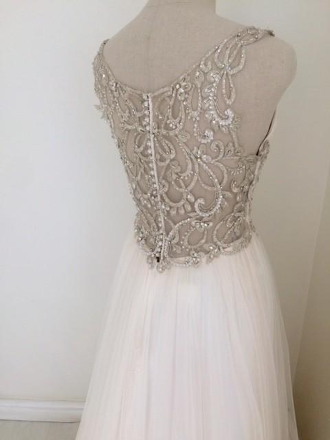 0bc671daf67 Maggie Sottero Phyllis Sample Wedding Dress on Sale 48% Off - Stillwhite  United Kingdom