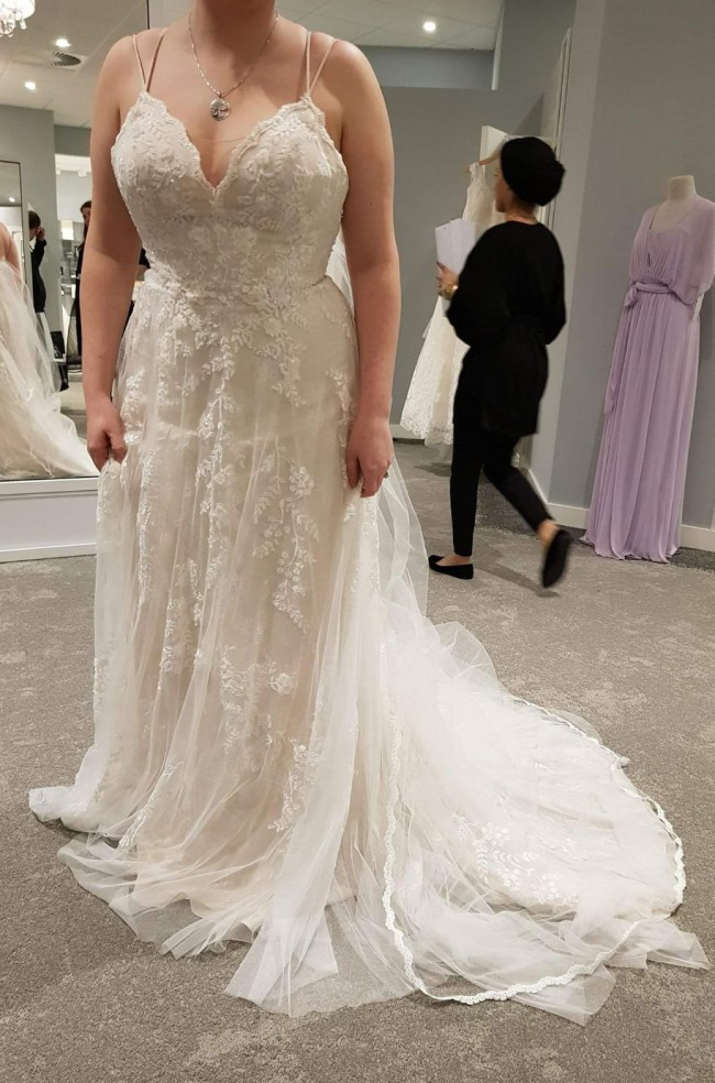 Melissa Sweet Scalloped a-line wedding dress with double straps