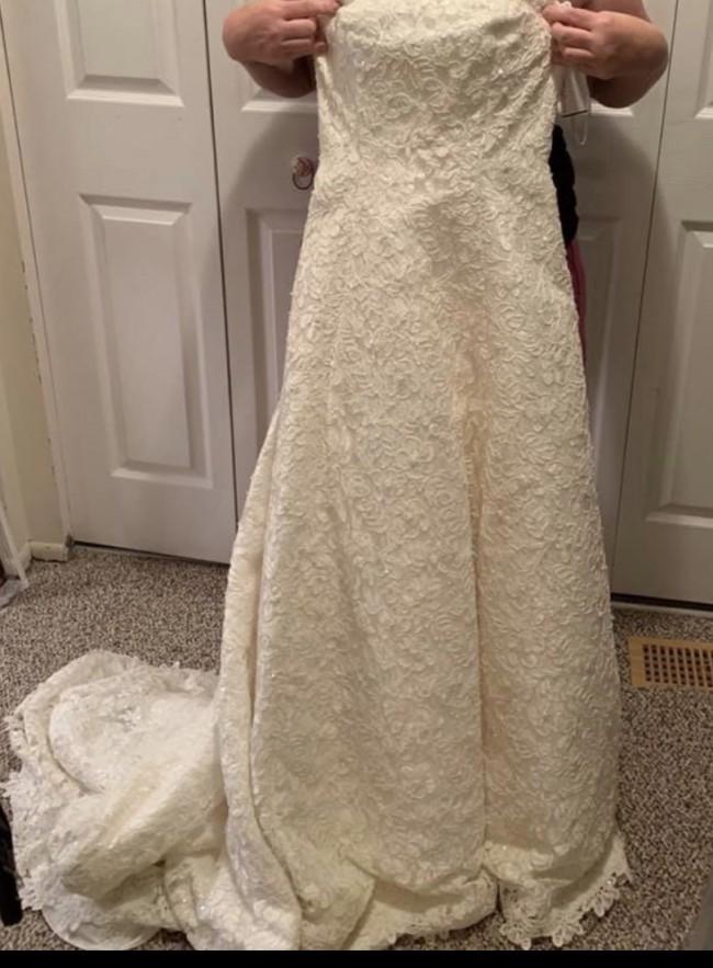 David's Bridal, 10040845