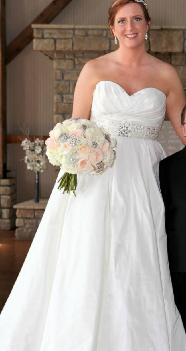 Allure Bridals 8802