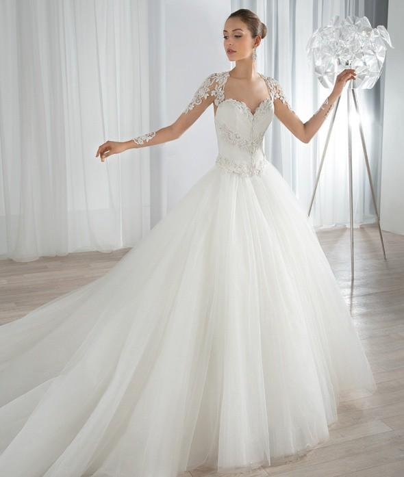 Dimitri Wedding Gowns: Demetrios DEMETRIOS & PLATINUM 655 Used Wedding Dress On