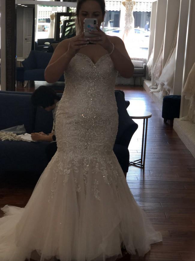 Allure Bridals, W375