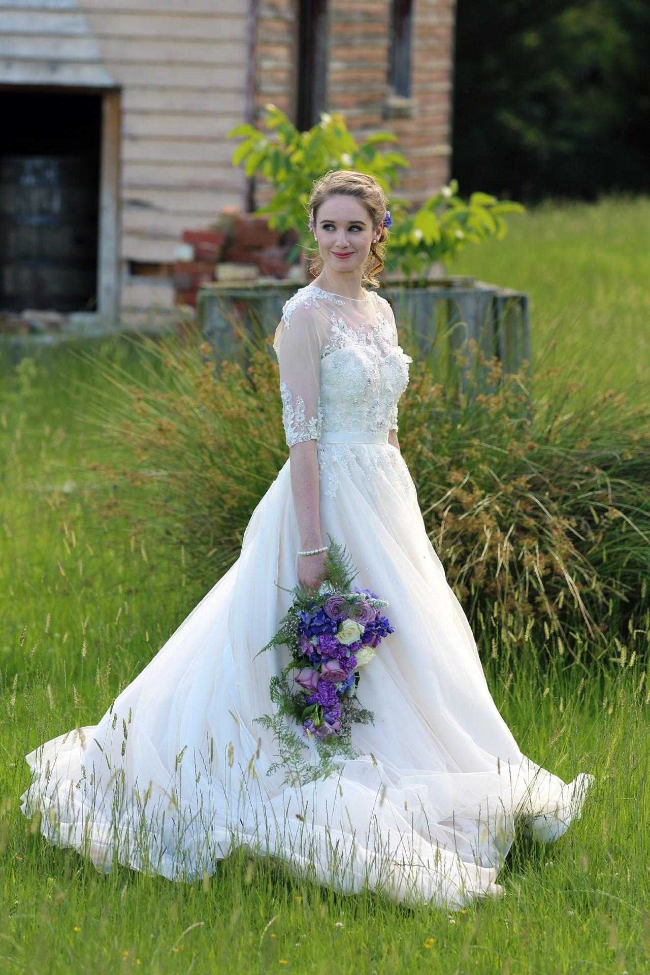 Essense Of Australia Essence D1368 Preloved Wedding Dress Save 60 Stillwhite,Stella York Wedding Dress Prices Uk