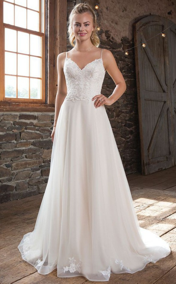 Sweetheart Gowns 1115