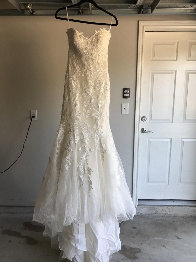 Casablanca Bridal Style 2214
