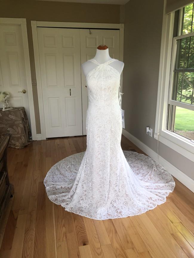 Allure Bridals F165