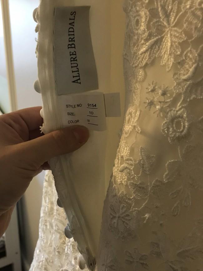 Allure Bridals, 9154