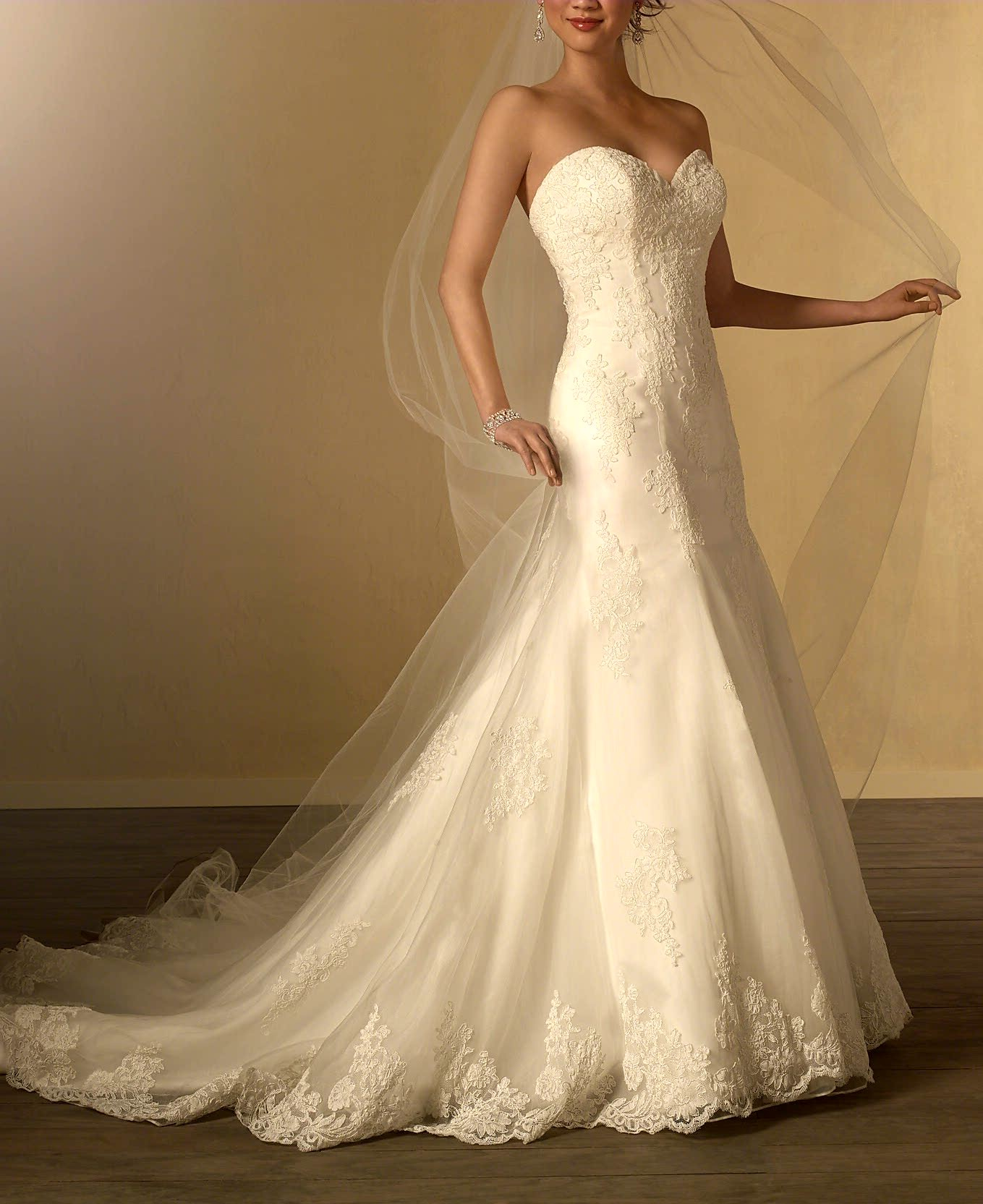 Alfred Angelo Style 2438 Used Wedding Dress On Sale 80