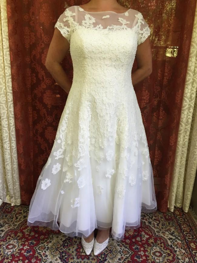 785f95cbb32d0 Oleg Cassini CMK-513 Cap Sleeve Illusion Wedding Dress New Wedding ...