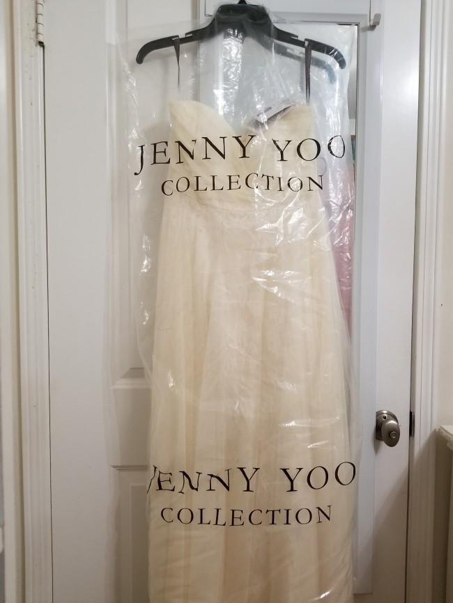 Jenny Yoo, Evelyn