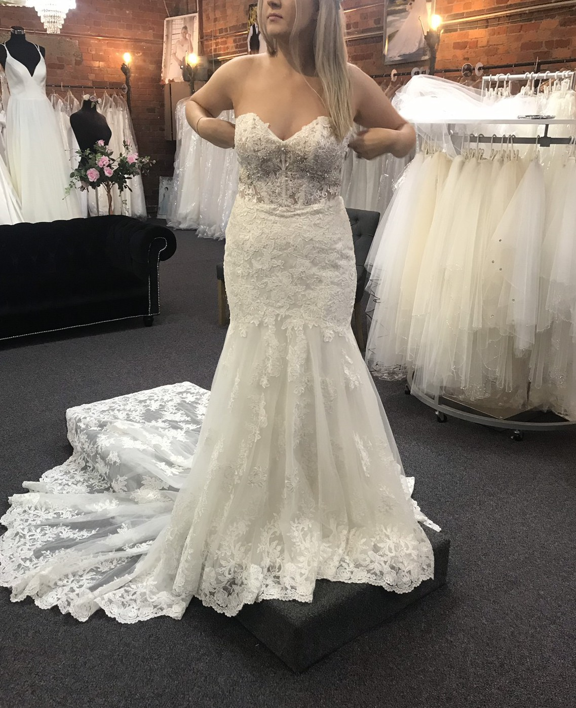 Essense Of Australia D2042 Preloved Wedding Dress On Sale