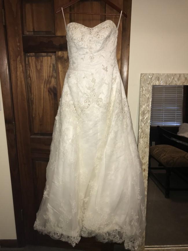 Casablanca Bridal C1827