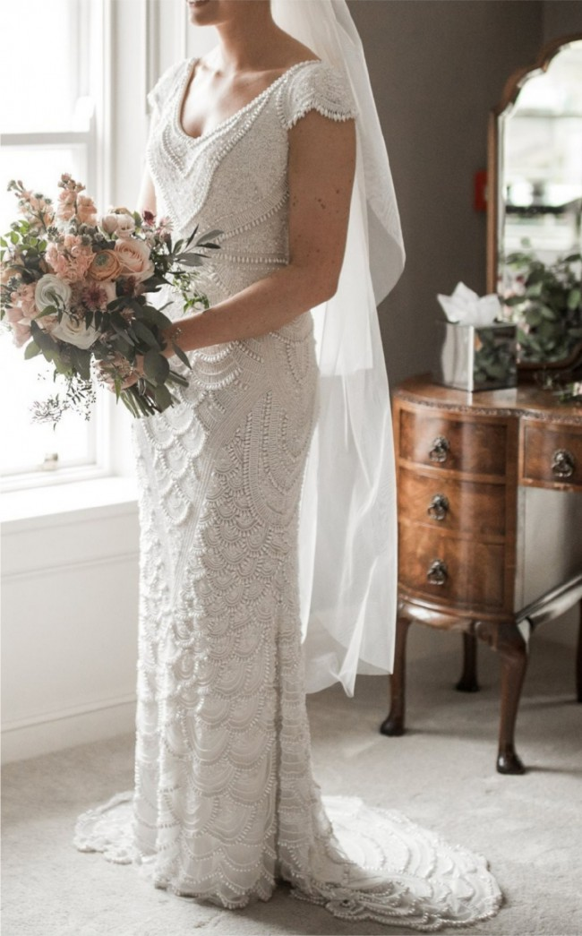Theia,  Serena gown