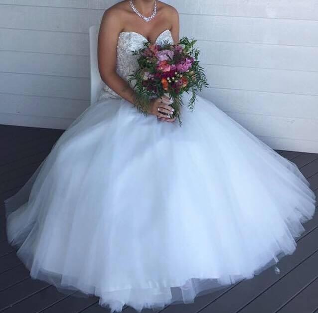 Allure Bridals P932