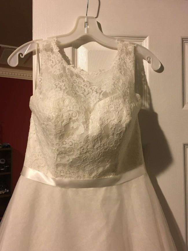 David's Bridal Ill Lace TNK ALine Tulle Skt