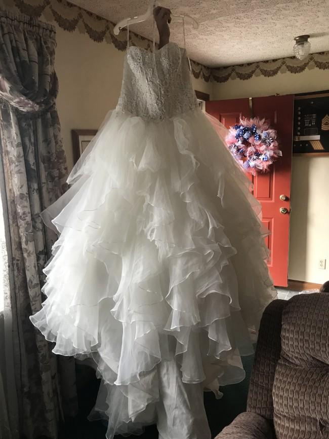 34e7b5f73169 Oleg Cassini CWG568 IVYCHAMP New Wedding Dress on Sale 53% Off ...