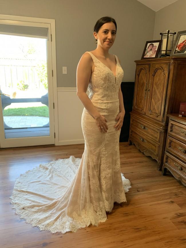 Casablanca Bridal 2330