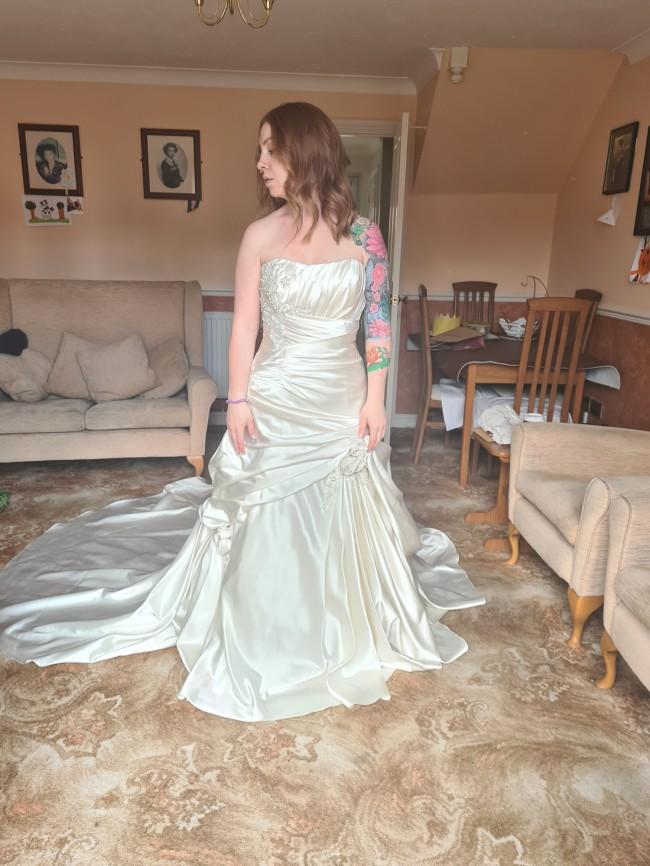 Eternity Bridal D4007