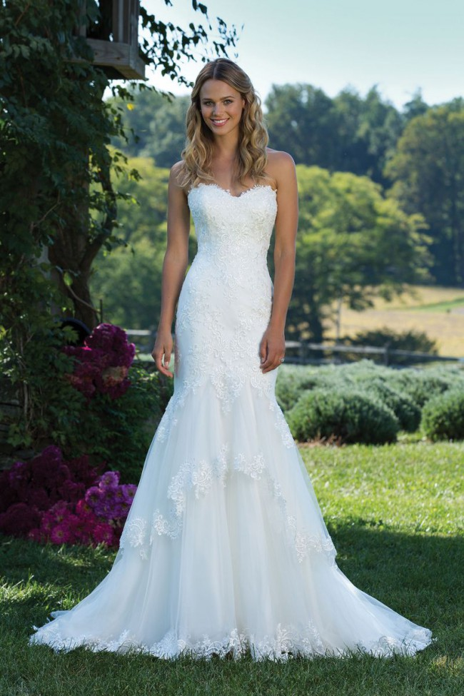 Justin Alexander, 3988- Fit and Flare Gown with Tiered Tulle Skirt