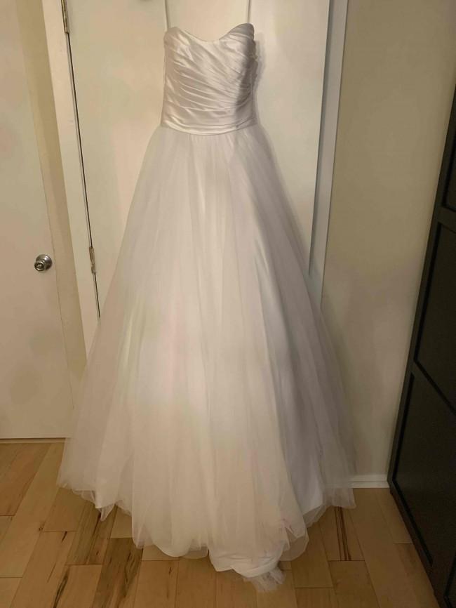 Allure Bridals Style no. 8957