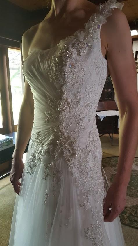 Brides Desire, Tia