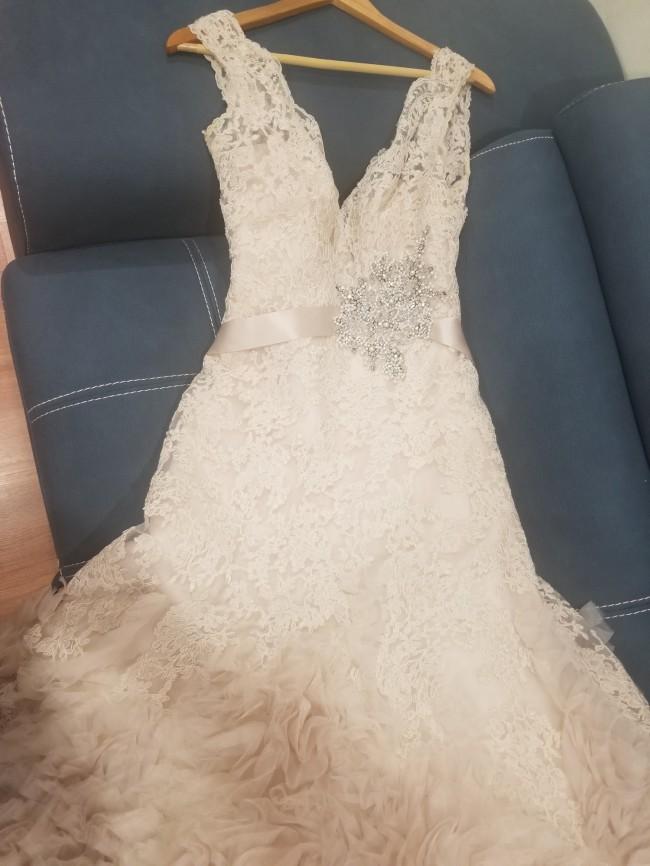 Allure Bridals 8961